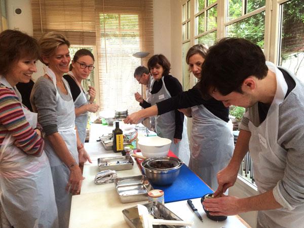Cours de cuisine entreprise l 39 atelier guestcooking guestcooking cours de cuisine - Cours de cuisine amateur ...